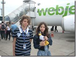 Myllena com o Janelas na mão - Viagem ao Rio para aniversário da Maitê